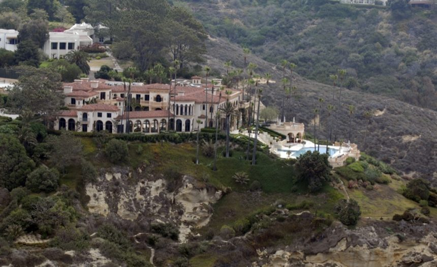 la-jolla-farms-bluffs-mansion